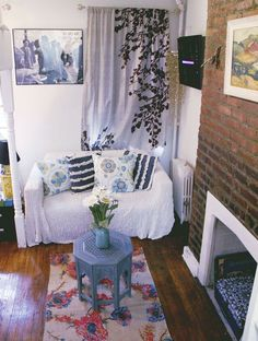 Faye's Tiny New York Bohemian Studio — House Call