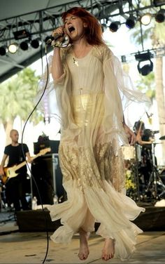 Best 2012 Coachella's pictures. Florence Welch