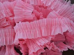 how to make ruffled crepe paper streamers