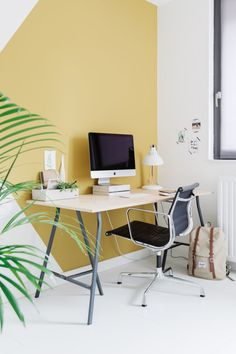 Afbeeldingsresultaat voor remade with love Study Office, Office Desk, Style At Home, Home Office Decor, Home Decor, Living Room Interior, House Colors, Wall Design, Home And Living
