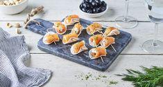 Rondelles de radis noir au fromage frais et saumon fumé Tapas, Sugar, Cookies, Desserts, Cocktail, Food, Cucumber Bites, Crab Meat, Strawberry Fruit