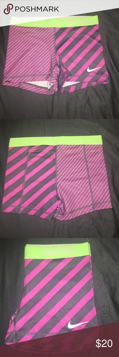 Nike Pro Women's Compression Short Rare print. Great condition, no flaws. Size Medium. Dri-FIT. Machine wash. Nike Shorts