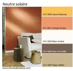 Une palette de tons neutres naturels dopés par des orangés solaires pour une pièce à vivre accueillante. www.chromaticstore.com