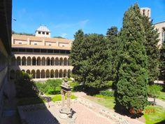 Monestir de Pedrables. Fundat pel rei Jaume el Just i la seva esposa Elisenda de Montcada el 1326, amb la intenció que servís de lloc de retir per la reina en el moment d'enviudar, que es preveia proper per l'edat i la salut del Rei. Albergava una comunitat de monges clarisses, formada en la seva major part per filles de nobles.
