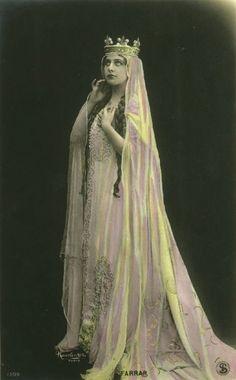 Tinted postcard of Geraldine Farrar as Elisabeth in ' Antique Photos, Vintage Photographs, Vintage Images, Old Photos, Poses, Vintage Beauty, Vintage Ladies, Weird Vintage, Art Photography