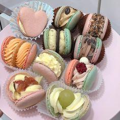 Cupcakes Decoration Disney, Marshmallow Cupcakes, Kawaii Cooking, Honey Toast, Kawaii Dessert, Breakfast At Tiffanys, Eat Dessert First, Macaroons, Sweet Recipes
