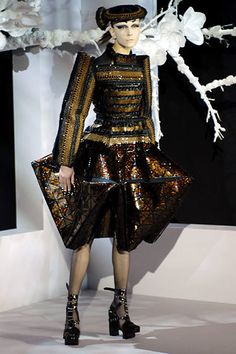 Christian Dior Spring 2007 Couture Fashion Show - Emma Pei