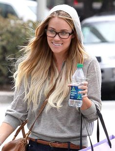 Davis Vision – We rarely see #LaurenConrad wear #glasses, but love the look