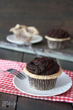 Muffiny czekoladowe ze śliwkami