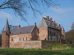 Wijchen-Hernen (Gelderland), Castle / Schloss / Château