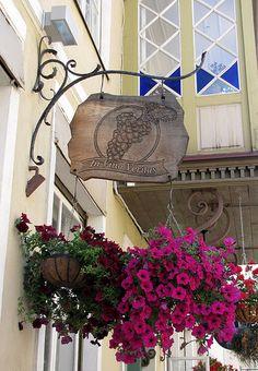 Metal Work Bench, Restaurant Signs, View Image, Bella, Metal Working, Iron, Wreaths, Fantasy, Colorful
