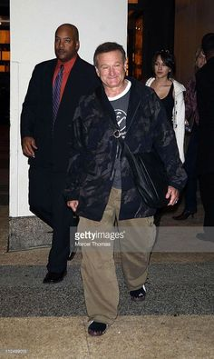 Robin Williams during Nas, Snoop Dogg, Robin Williams, Panic! at the Disco and Jay-Z Sighting Outside MTV Studios - November 14, 2006 at MTV Studios in New York City, New York, United States.