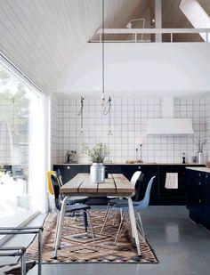 keuken met hoog plafond
