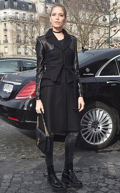 Как носить тяжелые ботинки и выглядеть женственно — учимся у Елены Перминовой