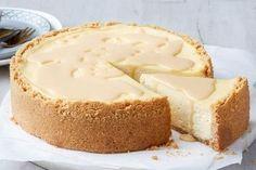 New York Baked Cheesecake, Baileys Cheesecake, No Bake Cheesecake, Cheesecake Recipes, Christmas Cheesecake, Christmas Desserts, Xmas Food, Christmas Dishes, Christmas Pudding