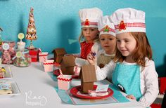 decorating-gingerbread-house