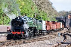 92220 Evening Star - Riddles at Swindon. The last BR steam locomotive Dorset Coast, Holland, Steam Railway, Train Times, Train Pictures, British Rail, Old Trains, Train Engines, Train Set