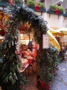 Austria Travel Inspiration - A Christmas Market Guide to Salzburg & Surrounding Villages including the best places to shop! Salzburg Christmas, Christmas Markets Germany, German Christmas Markets, Christmas Markets Europe, Christmas Travel, Cozy Christmas, Xmas, Austria Winter, Winter Is Here