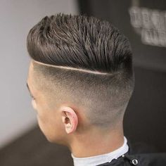 27 High Fade Pompadour Hairstyle Worth Watching in 2018 Fade hairstyle with pompadour style - Colorful Toupee Hairs Mens Hairstyles Pompadour, Undercut Hairstyles, Hairstyles Haircuts, Haircuts For Men, Undercut Pompadour, Men Undercut, Trendy Hairstyles, Modern Haircuts, Popular Male Haircuts