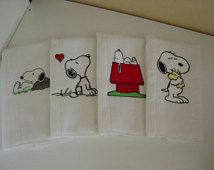 Set of 4 Snoopy burp cloths