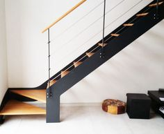 escalier m tallique quart tournant bas avec palier mezzanine pinterest. Black Bedroom Furniture Sets. Home Design Ideas
