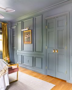 Painting Molding, Wall Molding, Painting Trim, Diy Molding, Spray Painting, Picture Frame Molding, Picture Frames, Wall Boxes, Moldings And Trim