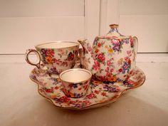Vintage Royal Winton Chintz Cotswold Breakfast Set Tea for One Teapot Roses Breakfast Set, Tea For One, Delphinium, Chocolate Pots, Fine China, Teacups, Teapot, Tea Time, Tea Party
