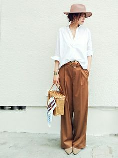Minimal trousers and blouse