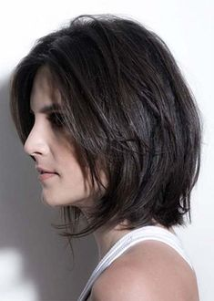 Latest ideas of easy short haircuts and hairstyles for women. Find out here the cutest styles of short haircuts which always remains in trends. In this post we have especially posted the best styles of short haircut with modern variations to sport nowadays.