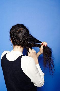 4 cute 'dos for girls with curly hair