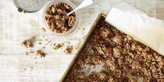 I Quit Sugar: Chunky Banana Bread Granola by Healthy Breakfast Cookbook