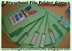 Favorites Preschool File Folder Games Favorites Preschool File Folder Games - 8 games that are easy to put together, reusable, fun, and FREE for preschool kids. Preschool Centers, Preschool At Home, Preschool Kindergarten, Preschool Learning, Early Learning, Preschool Activities, Preschool Printables, Teaching, Preschool Schedule