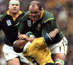 Os du Randt-this is how rugby breaks necks and causes the most serious of injuries Rugby League, Rugby Players, Rugby Workout, South African Rugby, Rugby Men, Rugby Sport, Australian Football, Rugby World Cup, Tatoo