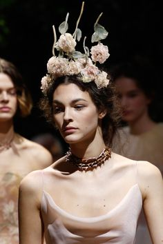 Christian Dior детали | Коллекции весна-лето 2017 | Париж | VOGUE