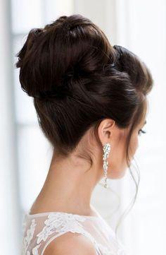 Elstile wedding updo hairstyle - Deer Pearl Flowers / http://www.deerpearlflowers.com/wedding-hairstyle-inspiration/elstile-wedding-updo-hairstyle-3/