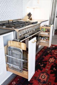 The kitchen that is top-notch white kitchen , modern kitchen , kitchen design ideas! Galley Kitchen Design, Small Galley Kitchens, Galley Kitchen Remodel, New Kitchen, Cool Kitchens, Kitchen Ideas, Kitchen Modern, Kitchen Hacks, Cheap Kitchen