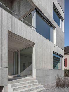 Spagat zwischen Beton und feiner Spitze: Wohnhaus in Uster - DETAIL.de - das Architektur- und Bau-Portal