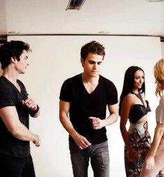 #TVD The Vampire Diaries Ian Somerhalder(Damon),Paul Wesley(Stefan),Kat Graham(Bonnie) & Candice Accola(Caroline).. aww their dance moves are adorable :3