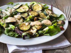 Kochfrosch: Schneller Salat mit Zucchini, grünen Bohnen und Tahindressing