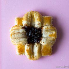 Joulutorttumallit   Reseptit   Kinuskikissa Boxers, Pineapple, Fruit, Food, Pinecone, Eten, Boxer, Meals, Diet