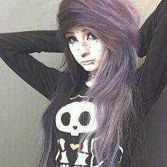 Cute emo girl, she looks very, very cuddly! Cute Scene Girls, Cute Emo Girls, Goth Girls, Goth Hair, Emo Hair, Grunge Hair, Goth Make Up, Emo People, Emo Scene Hair