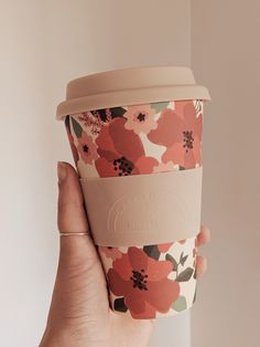Floral Cafe Yo Cups - Best Eco Bamboo Reusable Cups by Mimi & August - Zero Waste for Coffee Lovers To Go Coffee Cups, Travel Coffee Cup, Pink Coffee Cups, Small Coffee Cups, Paper Cup Design, Eco Cup, Disposable Coffee Cups, Bamboo Cups, Cute Water Bottles