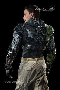 「Fraunhofer IPA,the Stuttgart Exo-Jacket」の画像検索結果 Suit Of Armor, Body Armor, Powered Exoskeleton, Exoskeleton Suit, Stormtrooper, Futuristic Armour, Cyberpunk Character, Sci Fi Armor, Future Soldier