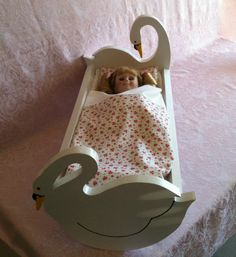 Wooden Doll Beds for Am...