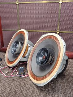 Follow the link for one of a kind, ultra premium, vintage suitcase speakers by ThumpCase... Best Suitcases, Vintage Suitcases, Audiophile Speakers, Audio Speakers, Loudest Portable Speakers, Music Composers, High End Audio, Cycling Art, Boombox
