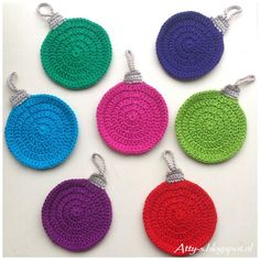Christmas Coasters By Atty s - Free Crochet Pattern - (atty-s.blogspot)