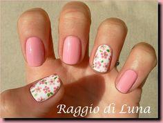 Raggio di Luna Nails: Little pink flowers
