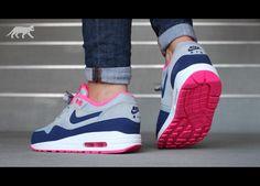 Nike wmns Air Max 1 Essential (Light Magnet Grey / Deep Royal Blue - Hyper Pink)