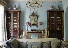 Vintage interiors, vintage home decor, blue interiors, english interior, an English Interior, Antique Interior, Vintage Interiors, Vintage Home Decor, Blue Interiors, Victorian Decor, Wallpaper Furniture, English Country Decor, Vintage Modern