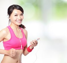 25 Songs for Going the Distance!  Add these to your workout playlist #skinnyms #fitness #playlist